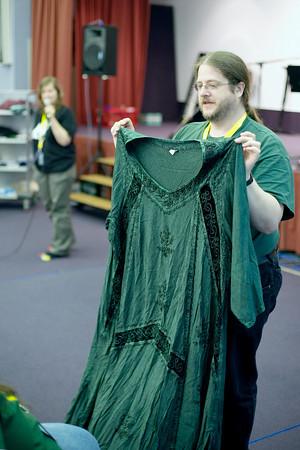 steve-with-dress